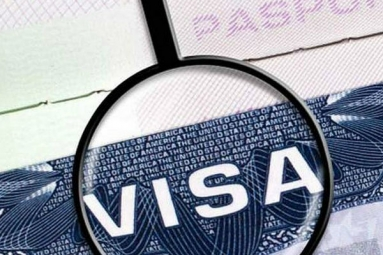 Decline In US Visas For Pak; Rise For India