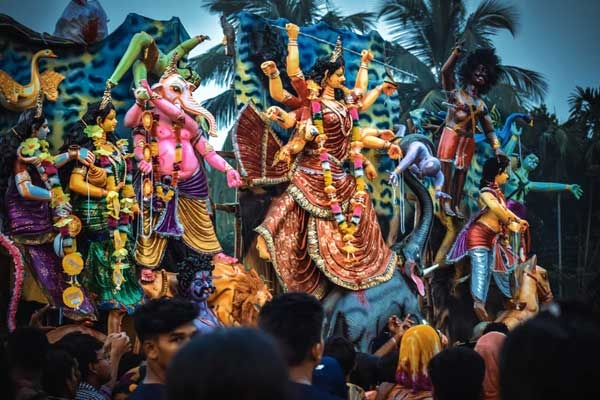 12 Famous Indian Festivals and Stories Behind Them