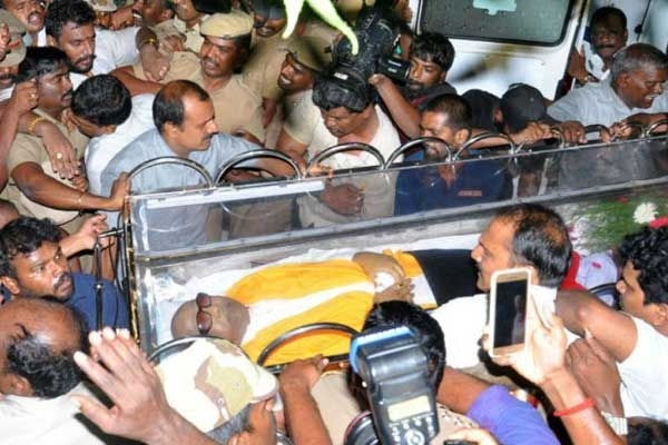 Karunanidhi Death: Funeral Procession to Commence at 4 P.M.